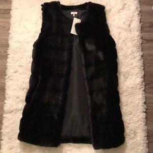 Tobi: Faux Fur Vest ❄️