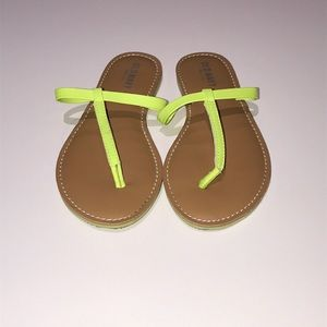 Old Navy Lime Green Thong Flat Sandals