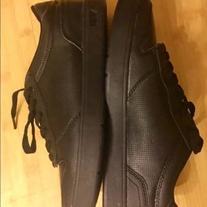LEVI'S boys shoes sneakers size 5.5 NEW black