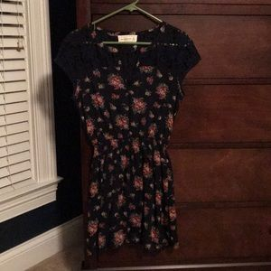 Abercrombie & Fitch floral dress with lace detail