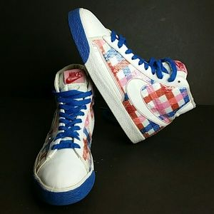 NIKE BLAZER HIGH WOMEN SHOES