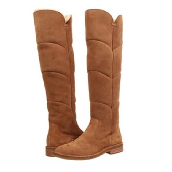 53163e2cad8 NWT Ugg Samantha Boot - Chestnut