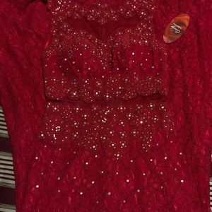 Red laced prom dress!