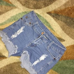 Jean ripped shorts. Great condition