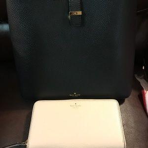 Nwot Gorgeous kate spade bag and wallet set