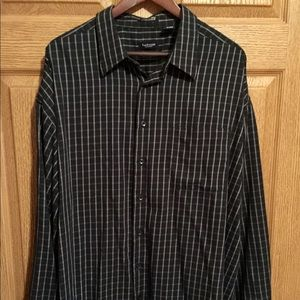 Men's Van Heusen Black Checked Dress Shirt