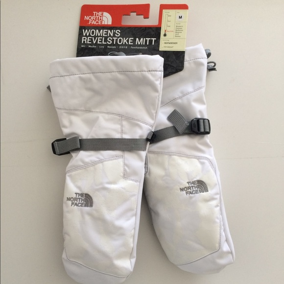 240a0ca00 NWT The North Face women's Revelstoke mittens NWT