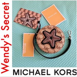 🆕 •MICHAEL KORS• Leather Star Small Coin Purse