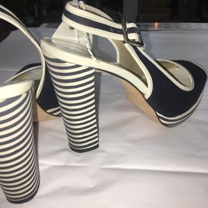 Michael Michael Kors Navy & Cream Nautical Heels