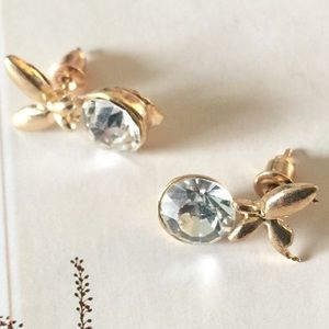 ❗️1 LEFT Anthropologie Bow Earrings