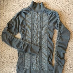 RARE Athleta cable gray mock turtleneck ruched L