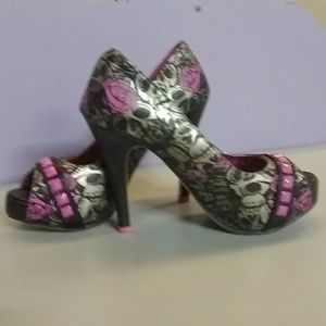 IRON FIST  NEON PINK BLACK&GREY SKULL HEELS