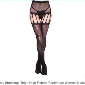 Accessories - Fishnet pantyhose