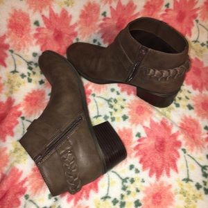 Indigo Rd. Brown leather ankle booties