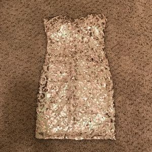 Gorgeous gold sequin dress