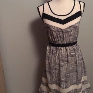 Off white and black sleeveless dress