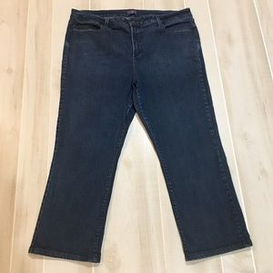 NYDJ Marilyn Straight Jeans in Short Length 22Wx26