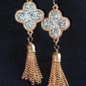 Clover Link Chain Tassel Dangle Earring