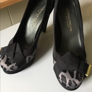 Animal print pumps with bow Detail