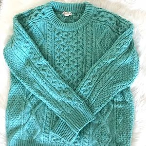 🌟NEW LISTING 11/20!🌟 Chunky Knit Sweater