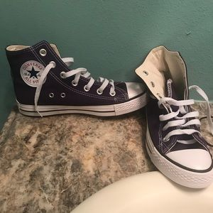 Converse Shoes size 5.5 purple, brand new