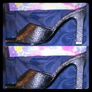 💥Chinese Laundry💥Faux Snake Skin Heels Sz10