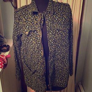 Quarter selves jacket