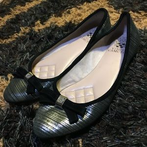 Vince Camuto Flats Hardly Worn