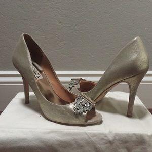 Badgley Mischka Gold Peep-toe Pumps - Size 7