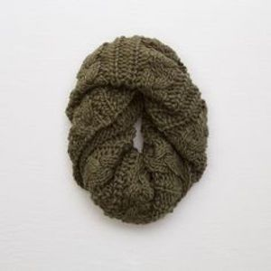 Aerie Olive green knit scarf