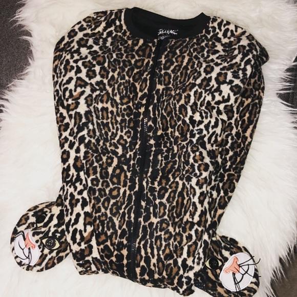 62222c7f30 Cheetah Onesie One-Piece Pajamas 🆕
