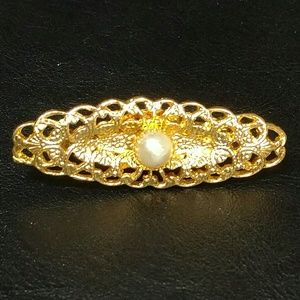 Vintage scarf clip gold tone filigree with pearl