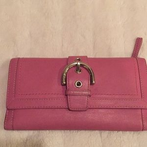 Coach Pink Leather Wallet🌟