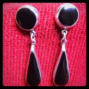 Beautiful silver 925 and black stone earrings