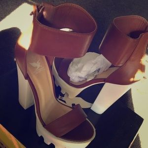 Selling these heels I never wear them brand new