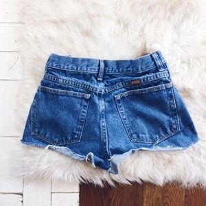 Size 24 Vintage Distressed Denim Shorts