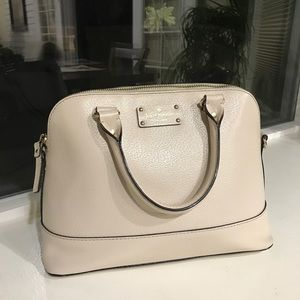 Kate spade purse in perfect condition