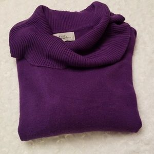 💜Purple sweater with cow neck! 💜