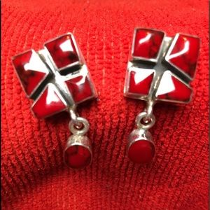 Lovely silver 925 and red stone post earrings