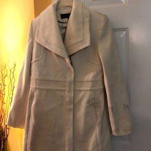 Apostrophe winter White coat