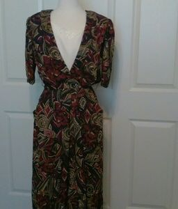 Gorgeous print dress ans olive geen