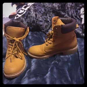 Off brand tan tims