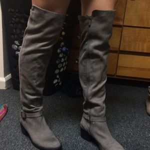 Grey thigh boots!