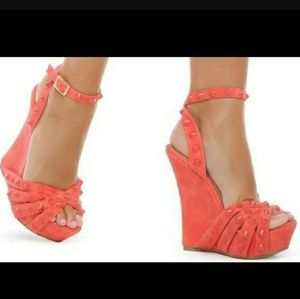 Shoedazzle coral studded wedge