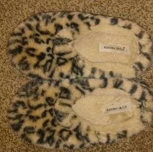 Steve madden slippers