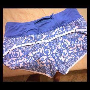 Lululemon blue floral shorts size 4