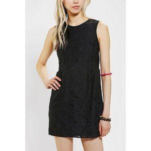 DV by Dolce Vita Black Floral Lace Shift Dress