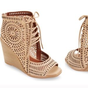 Jeffrey Campbell Rayos nude wedge