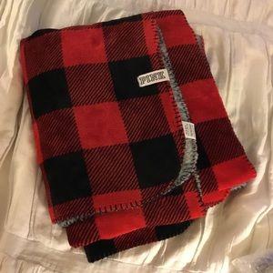 VS Pink Flannel Pattern Fleece Blanket