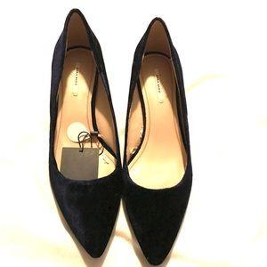 ZARA Suede mid heel shoes. SZ 10/ 41 EU